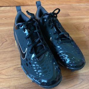 New without tags Nike Softball Cleats